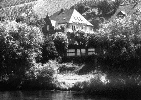 Weingut Hallenbach Gutshaus an der Mosel